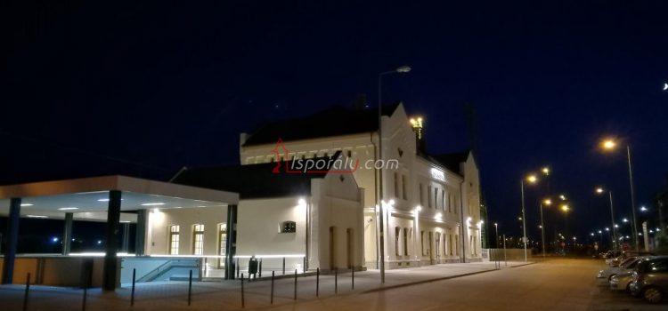 Karcagi vasútállomás este